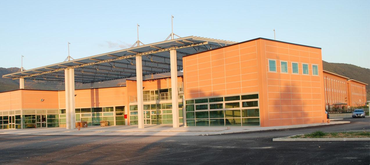 Edifici commerciali martini ruggeri partners for Piccoli piani di progettazione di edifici commerciali