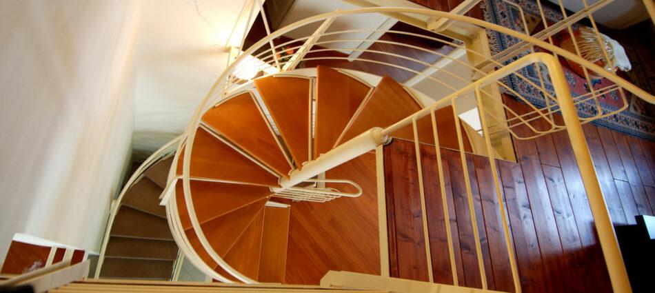 La scala a chiocciola in abitazione privata